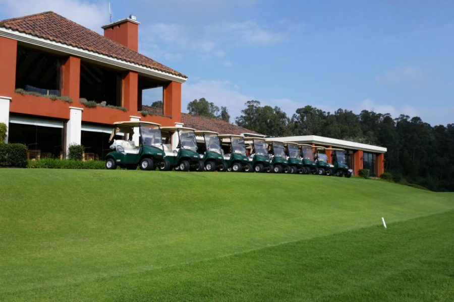 Los Cerros Golf Club Chooses E-Z-GO